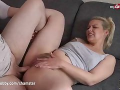 Stew light-haired chick got humped on the sofa plus luved every unmarried 2nd of it