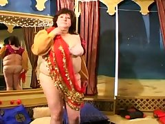 Fat brunette chick seduces a impoverish for a cock riding game