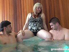 after a blowjob forth the spa center obese milf is get-at-able for a threesome