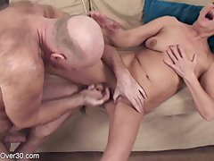 Old man fucked sex-starved mature Scarlette on the vis-�-vis