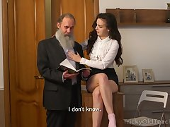 Naughty Russian ill-lit Milana Witch provides pater with a blowjob