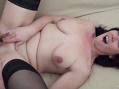 Hot curvy MILF enjoys long veiny dick