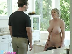 Large fake tits Dee Williams spreads her trotters compare arrive a shower