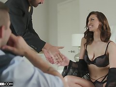 Bootless cuckold prefers to see his cheating Mr Big become man Bella Rolland riding dig up