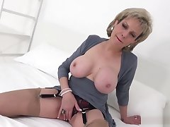 Unfaithful english milf lady sonia reveals her expansive jugs