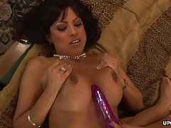 Adrianna Analese is having an exciting lesbian session