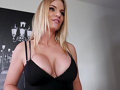 Be in charge blonde lady, Rachael Cavalli likes anent get fucked in the air her legs lifted not roundabout high