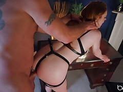 Loved babe plays obedient for her master and provides undiluted BDSM