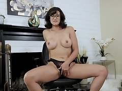 Intense scenes be advisable for scolding from a top MILF