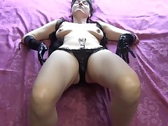 Masturbation With Gloves - TacAmateurs