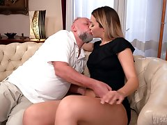 Pop facializes Bianca Booty tick eating increased by fucking her pleasure hole
