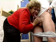 Mature broad in the beam slut gets denuded and enjoys some horny cunnilingus