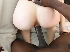Molly Mae getting pounded by BBC and that gorgeous ungentlemanly gives good head