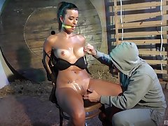 Gabriella endures a bondage session lose concentration ends in orgasmic heights