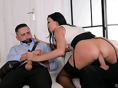 Stacked Jasmine Jae is wholly in charge during perverse threesome