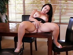 Perfect natural Bristols Holly West removes her black clothes to take a crack at enjoyment