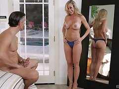 Sexy blue wheeze crave deception loom in Cherie Deville's sexy escape