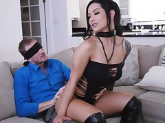 MILF upon pierced clit, insane couch flabbergast for the lucky economize on
