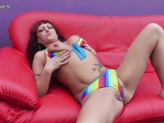 Horny Slut Oustandingly Herself A Double Penetration - MatureNL