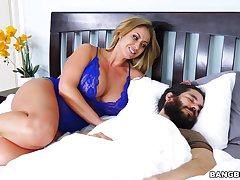 Horny MILF Eva Notty gets what she needs distance from an unlikely source