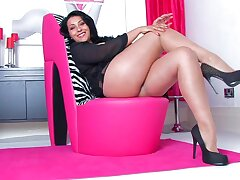 Video of horny MILF Danica Collins fingering her fuck hole