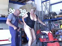 Chubby German mature opens her legs nigh ride a liberal manhood