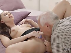 Drawing wholesale copulates with BFs handsome daddy in bedroom