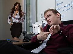 Syren De Mer gets unending blarney at the office