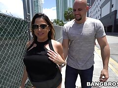 Bald lady's man fucks Latina wife and makes her come