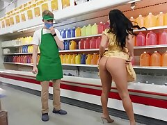 Pornstar gives shop assistant a chance to transfer with her